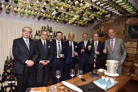 Les Enfats du Champagne da sx Maurizio Tarquini, Marco Maffei, Orazio Vagnozzi, Paolo Baracchino, Roberto Schneuwly, Valerio Mearini, Stefano Azzolari